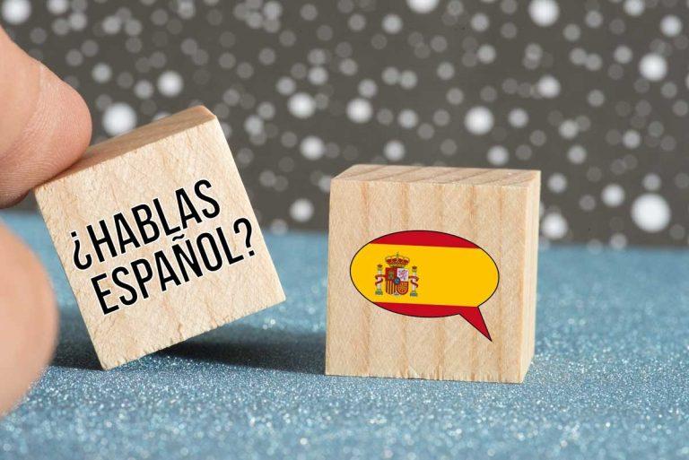 Wie Sie jemanden auf Spanisch begrüßen