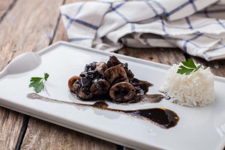 Leichte Mittelmeer-Küche: Rezepte mit Tintenfisch und Aubergine