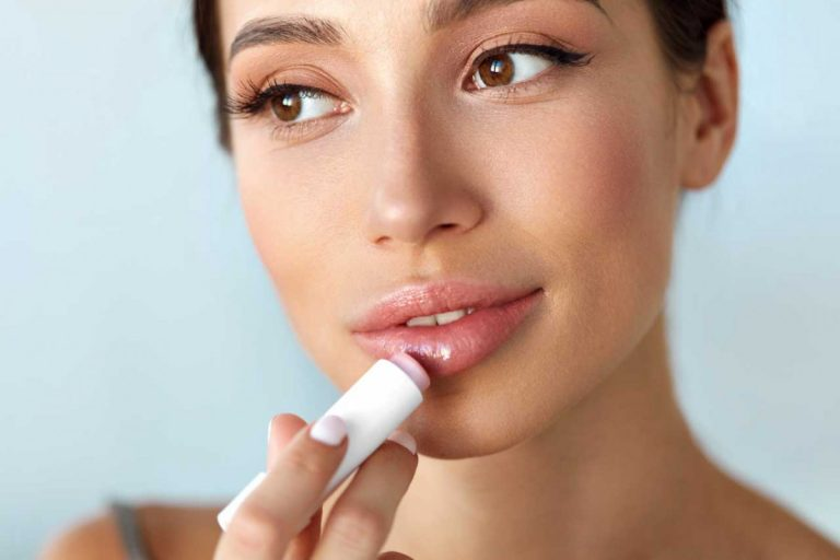 So pflegen Sie Ihre eingerissenen Mundwinkel gesund