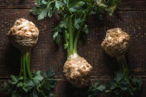Rezepte zur Fastenzeit: Selleriesuppe mit Safran und Petersilienpesto