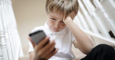 Schützen Sie Ihre Kinder vor Cyber-Mobbing