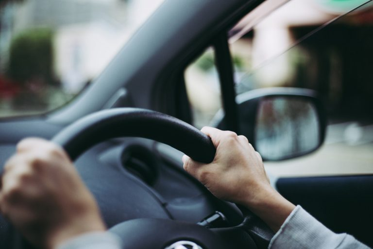Bleiben Sie beim Autofahren ausgeschlafen