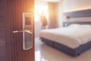 Hotelbuchung: Auf Französisch über die Zimmerausstattung sprechen