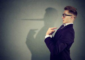 Lügnern auf die Schliche kommen: Wie Sie erkennen, ob man Sie belügt