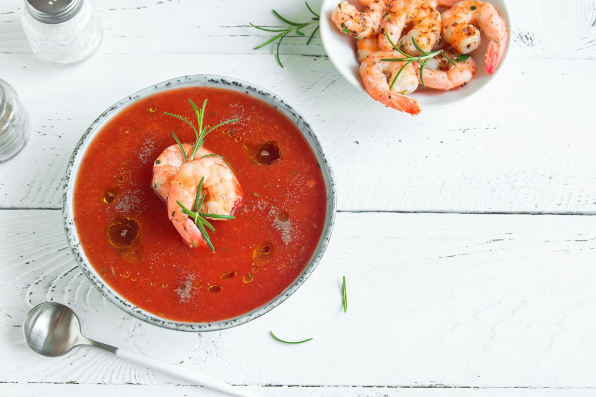 Exotische Rezepte zum Fasten: Tomatensuppe mit Zimt und Garnelen