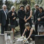 So wählen Sie in der Familie die angemessene Trauerbekleidung aus