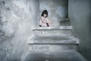 Kinderängste homöopathisch behandeln: Stramonium für extreme Fälle