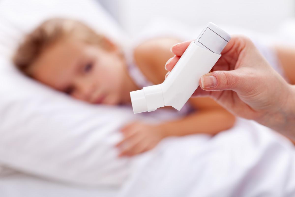 Asthma bei Kindern: Behandeln Sie auch die psychischen Ursachen