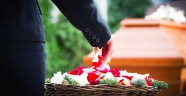 Trauerrede: 4 Zitate für einen stilvollen Start