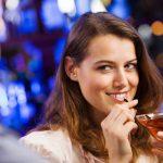 Erfolgreich flirten: Die weibliche Ausstrahlung