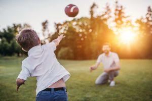 Kurzweilige Ballspiele für Kinder