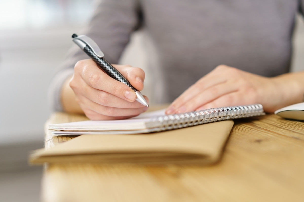 Gedankenstrich – wirkungsvoll und richtig im Text einbauen