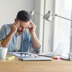 Migräne am Arbeitsplatz: Was sind die Auslöser?