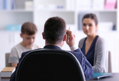 Die größten Irrtümer: Stehen Sie immer zu Ihrem Kind, auch vor dem Lehrer