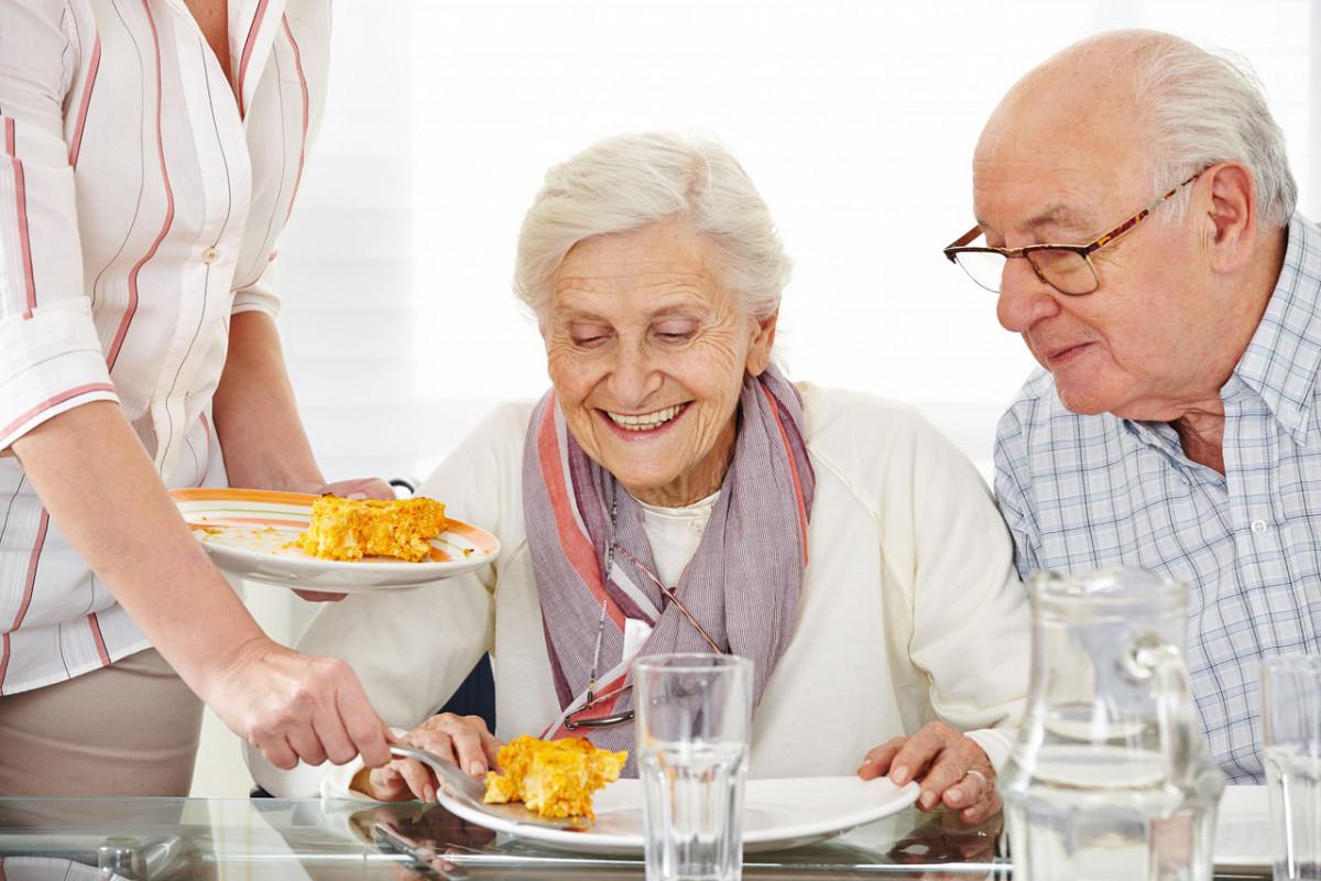 Woran ist eine Mangelernährung im Alter zu erkennen?