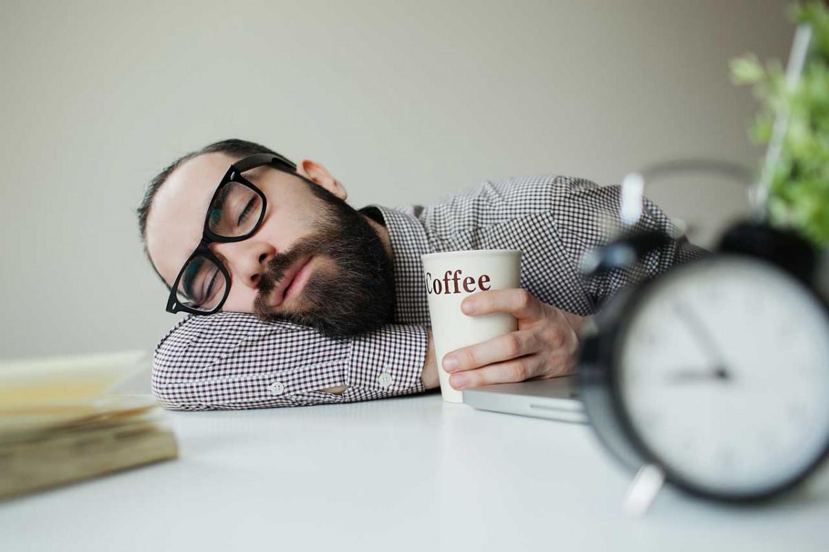 Übermüdung am Arbeitsplatz: Was können Sie tun?