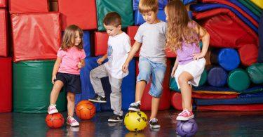 Die Regeln für beliebte Ballspiele für Gruppen