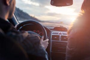 So schonen Sie den Rücken beim Autofahren