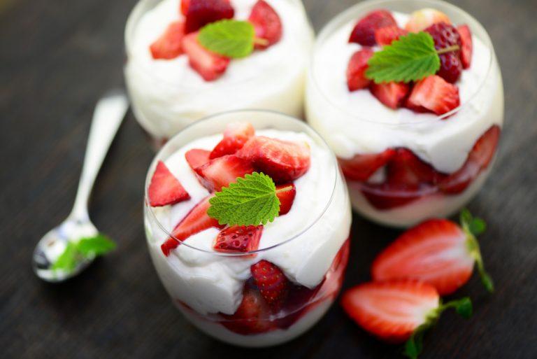 Rezepttipp: Zauberhafte Desserts mit frischen Erdbeeren