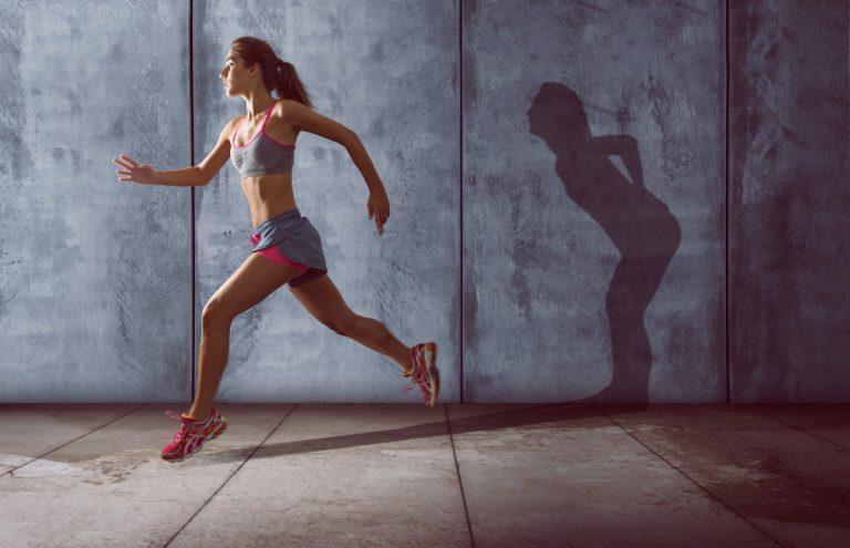 Geeignete Sportarten gegen die Symptome eines Bandscheibenvorfalls