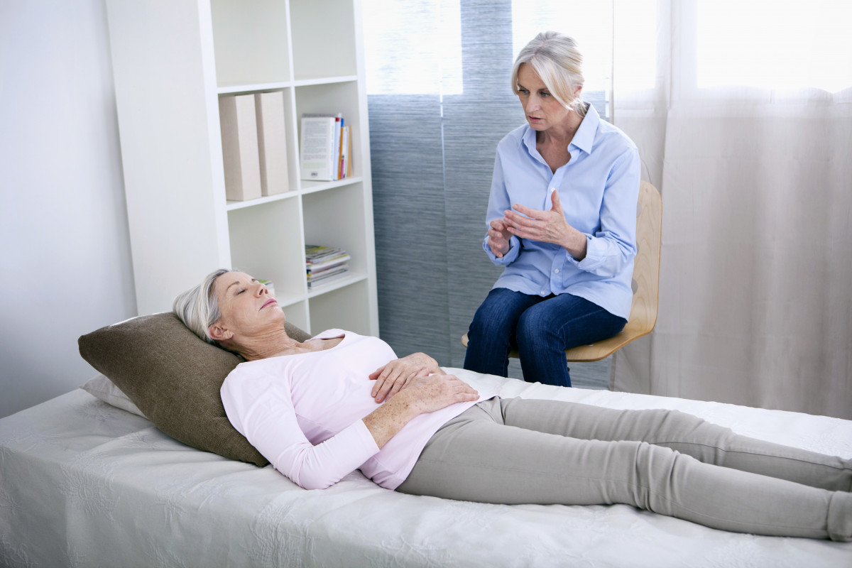 Wie Hypnose gegen Schmerzen hilft