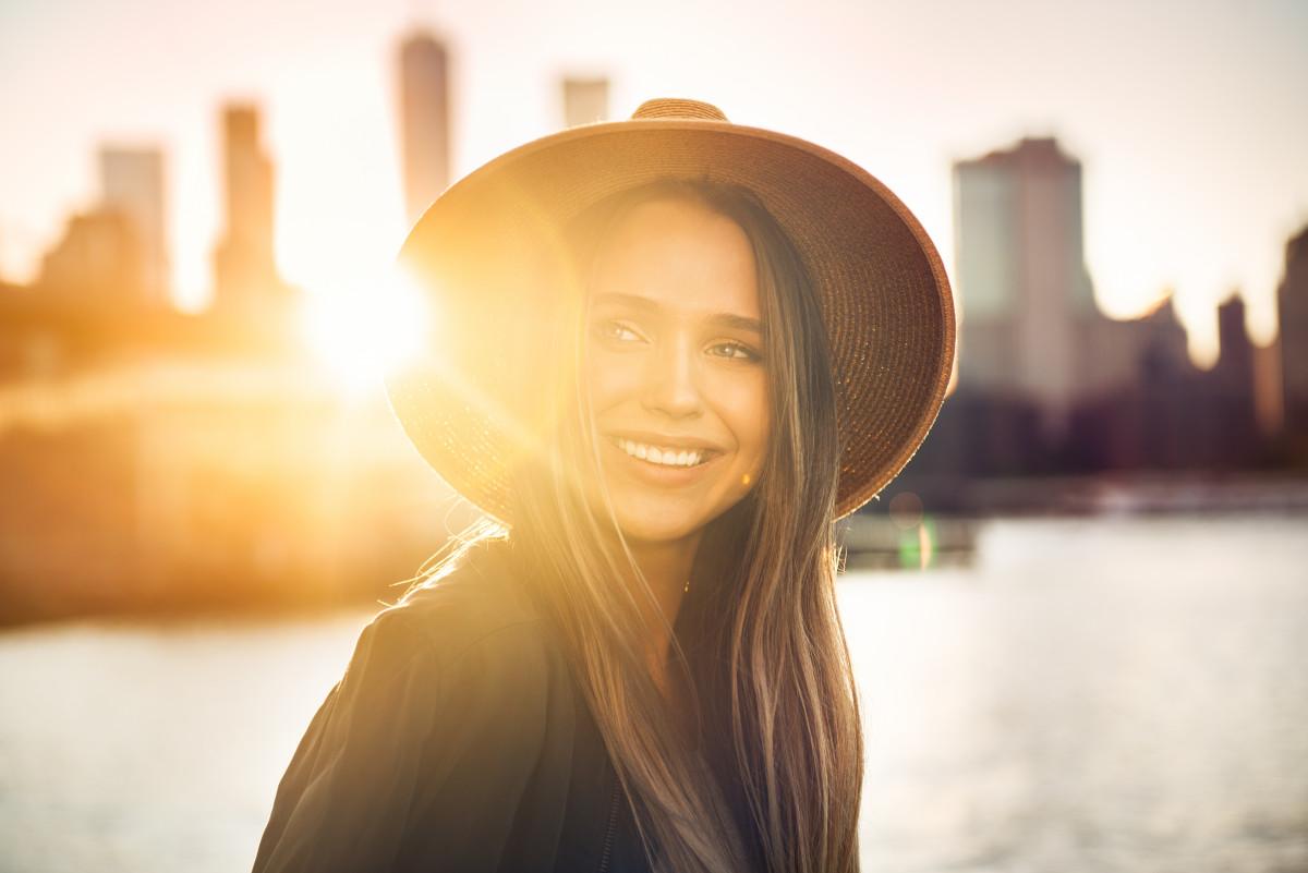 Portrait bei Sonnenlicht: Was Sie draußen beachten müssen
