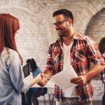 Wie Sie kreative Köpfe bei der Arbeit motivieren
