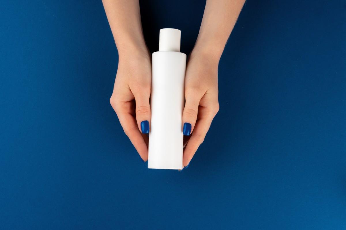 Phthalate: Darauf sollten Sie bei Shampoo, Sonnencreme & Co achten!