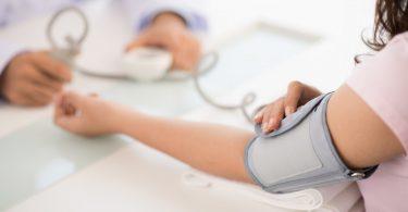Naturheilkunde bei Bluthochdruck einsetzen