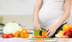 Ernährung in der Schwangerschaft: So verhindern Sie Babyspeck