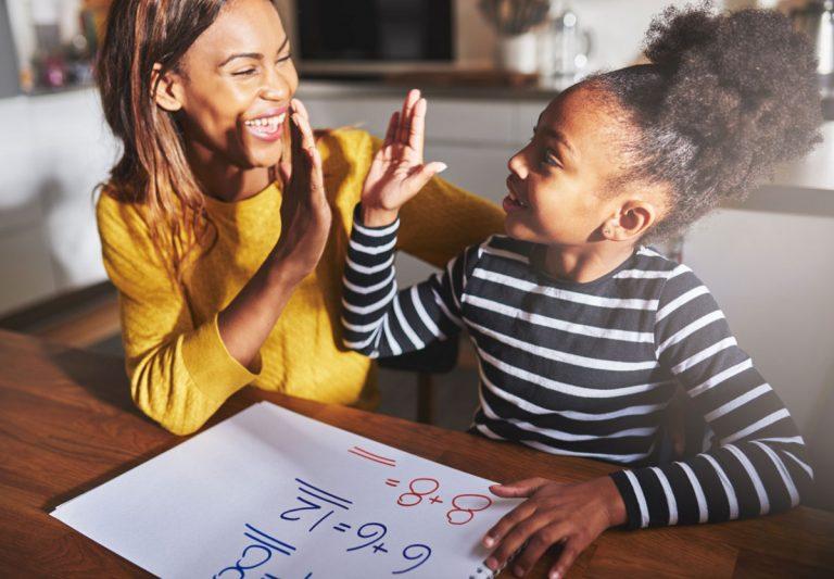 Die größten Irrtümer: Wann und wie man Kinder lobt, ist egal