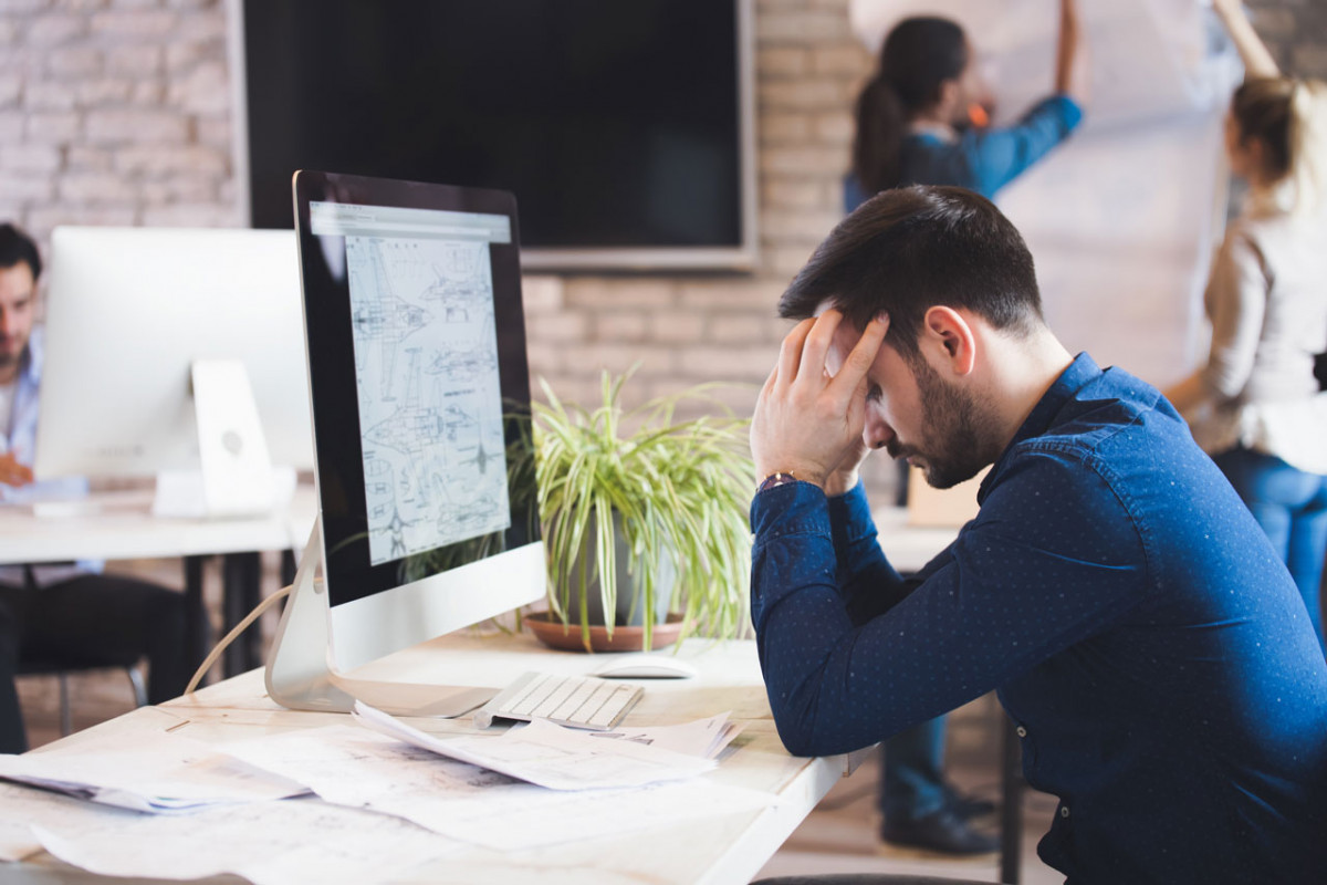 Tipps gegen Kopfschmerzen am Arbeitsplatz