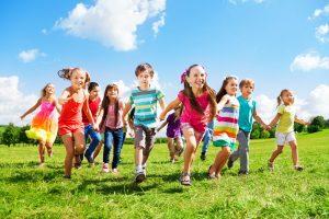 Ferien zu Hause: Gestalten Sie aufregende Tage mit Ihren Kindern