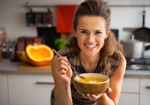 Die größten Irrtümer: Eine warme Mahlzeit braucht man am Tag