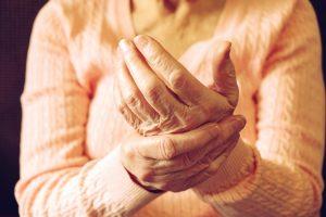 Erkennen Sie erste Anzeichen für Rheuma