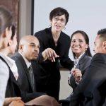 Im Mittelpunkt: So werden Sie zum beliebten Gesprächspartner