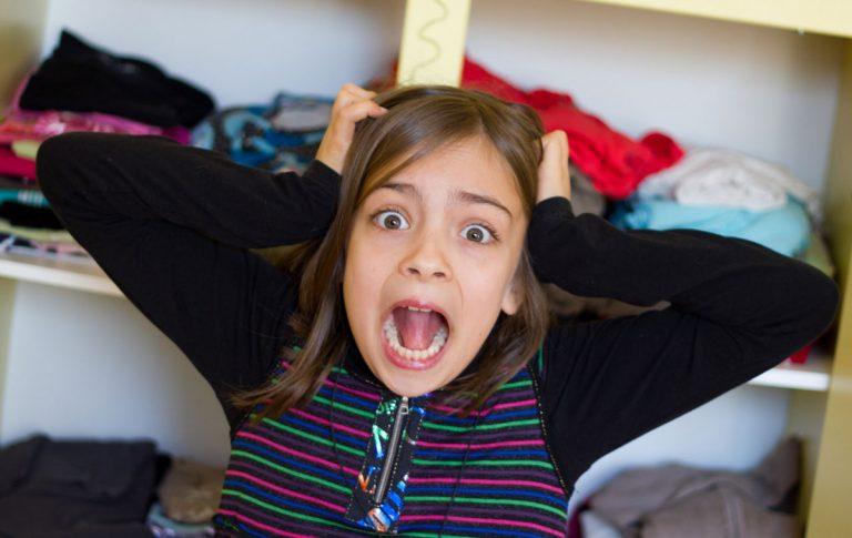 Zimmer-Aufräumen leicht gemacht: So macht es Kindern Spaß!