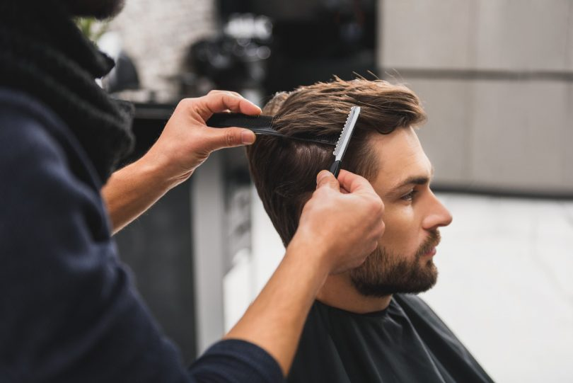 So sparen sich Männer die Frisörkosten