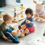 Krabbelstube und Tagesmutter - wann soll Ihr Kind von zuhause weg?