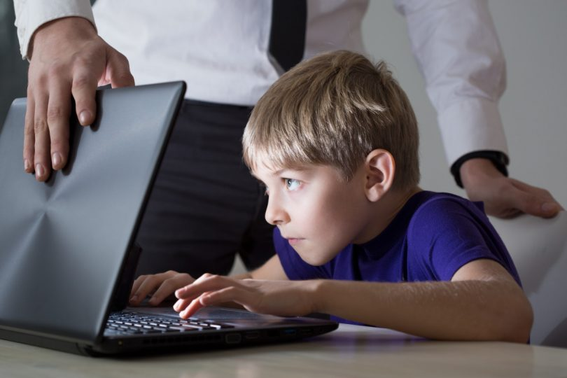 Ist mein Kind internetsüchtig?