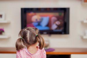 Sollte man Kindern das Fernsehen verbieten?