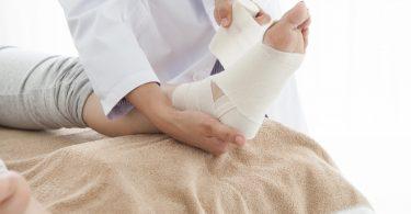 Verrenkungen und Verstauchungen homöopathisch behandeln