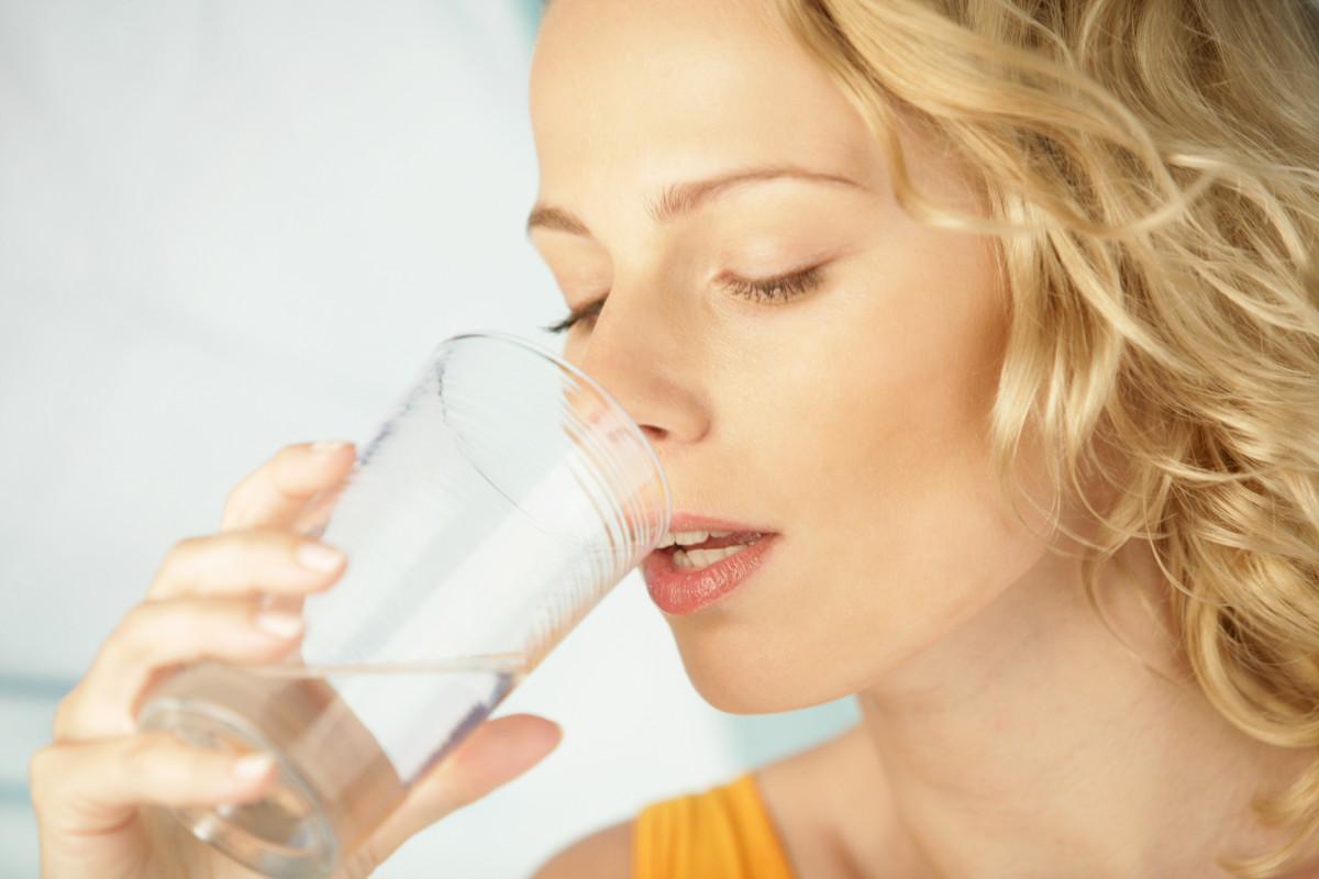 Trockener Mund: Was können Sie gegen Mundtrockenheit tun?