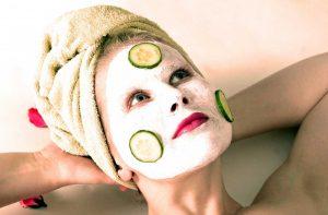 Die größten Irrtümer: Fettige Haut muss man häufiger waschen