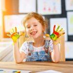 Kreatives Malen und Zeichnen mit Kindern