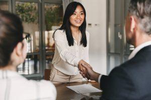 Neuer Mitarbeiter eingestellt: Diese Unterlagen brauchen Sie