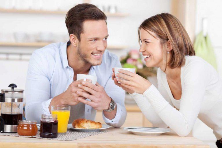 Frühstück am Morgen bringt Power für den Tag