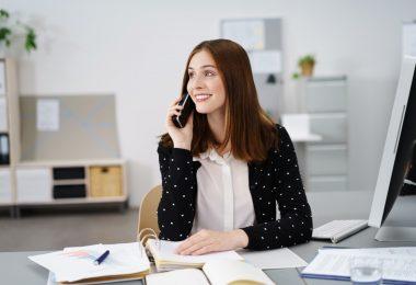 Wann Sie besser ein Business-Telefonat führen als eine E-Mail zu schreiben