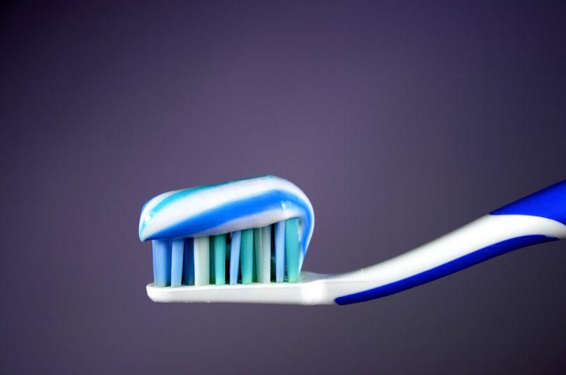 Die größten Irrtümer: Weißmacher in der Zahnpasta sind ungesund