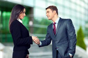 Wie Sie Ihre Karrierekiller mit Business-Knigge unschädlich machen